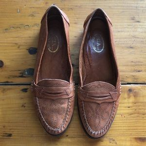 VTG leather loafers with embroidery detail, Sz 7